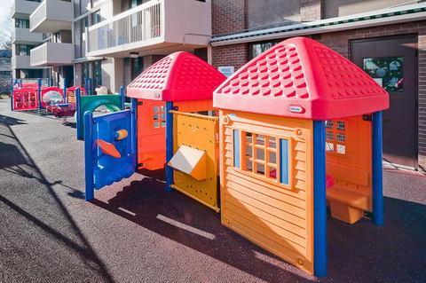 playground-kimbercroft-04
